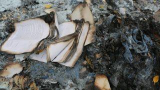 Il luogo di culto di una Chiesa domestica è stato chiuso e i libri religiosi bruciati