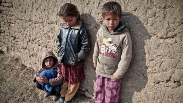 poveri bambini