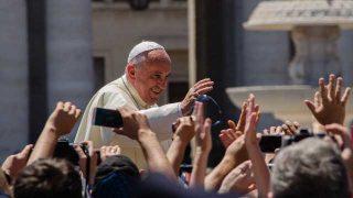 Papa Francesco: «Nominerò io i vescovi della Cina»