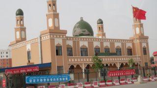 Lo Stato demolisce moschee nello Xinjiang