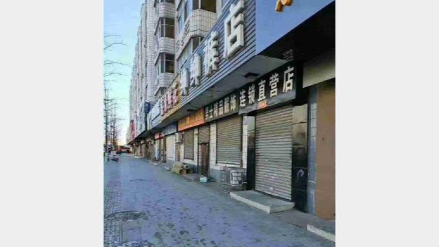 La chiusura dei negozi ha permesso ai commercianti di partecipare alla protesta