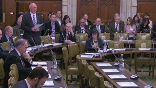 Jim Shannon, deputato di Strangford, aprendo il dibattito