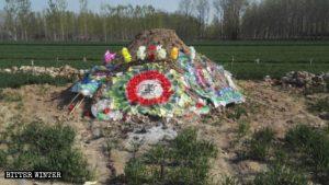 La tomba della donna deceduta per le vessazioni subite