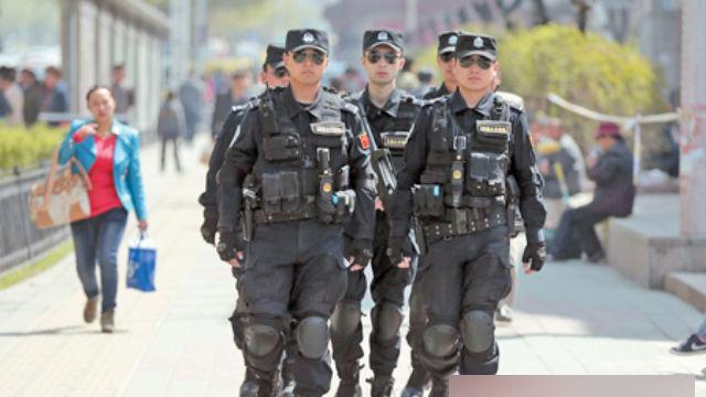 Nello Xinjiang vengono spesso impiegate forze speciali di polizia per «mantenere la stabilità»