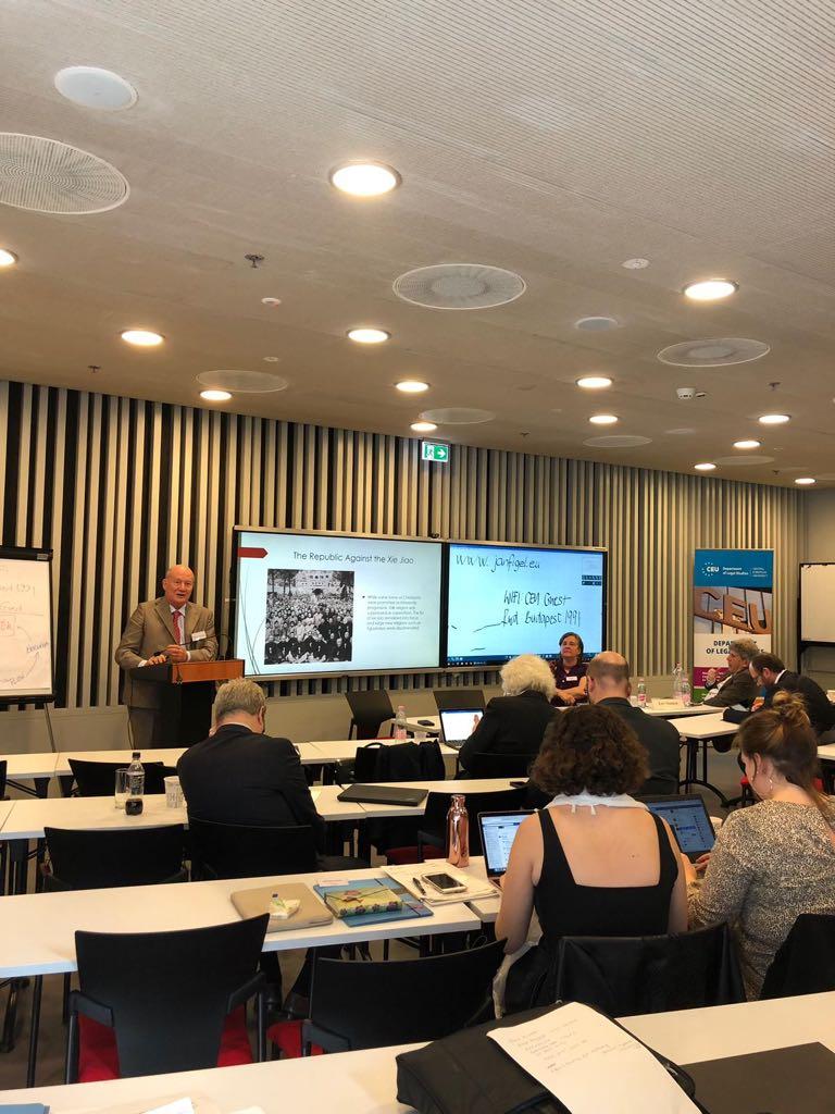 Il professor Massimo Introvigne interviene al convegno di Budapest