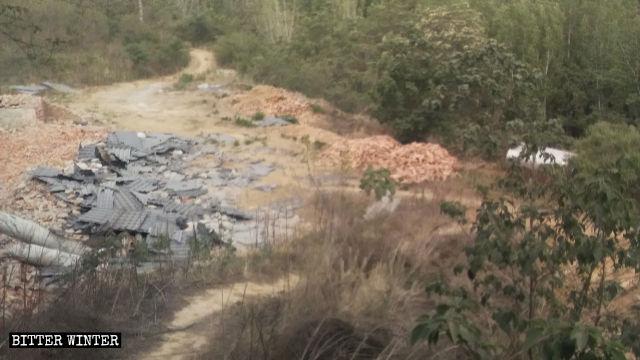 Un tempio del villaggio di Cheng'ou nel borgo di Qiaolou è stato raso al suolo