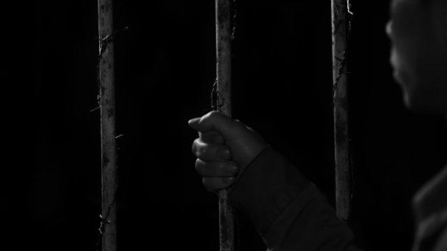 Un-arrestato-persona