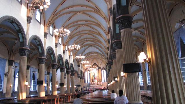 L'interno della cattedrale di San Domenico nella diocesi di Fuzhou