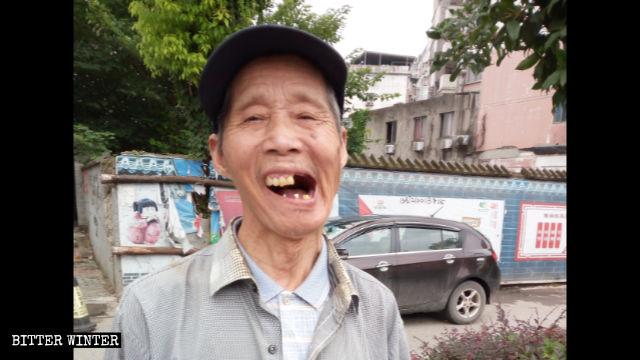 Yan ha perso i denti durante un pestaggio da parte di malviventi prezzolati
