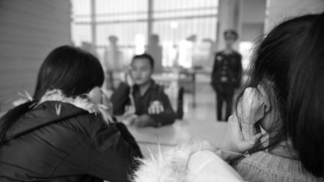 i parenti che visitano il loro caro un solo detenuto
