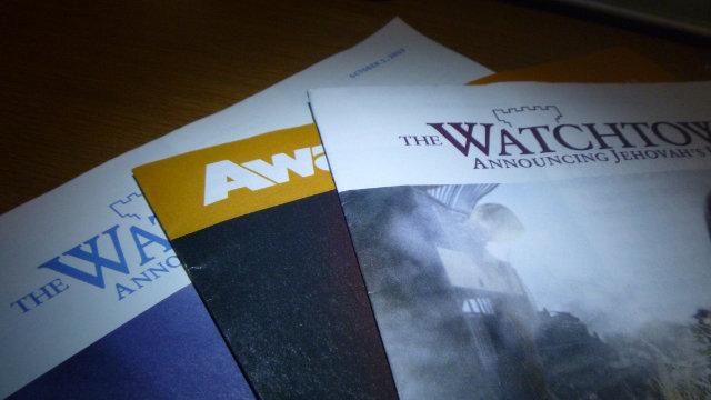 Alcune pubblicazioni a cura dei Testimoni di Geova