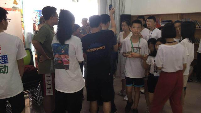 Il campo estivo organizzato dalla Olive Tree Church a Foshan è stato perquisito dalle forze dell'ordine