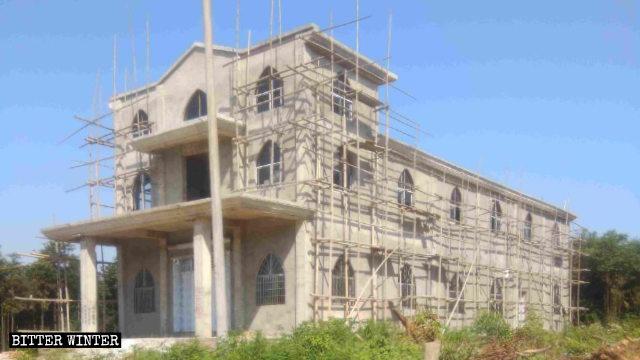 La nuova chiesa di Liandong era quasi ultimata quando è arrivato l'ordine di demolirla