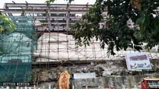 Demolite a centinaia le statue buddhiste del Sichuan