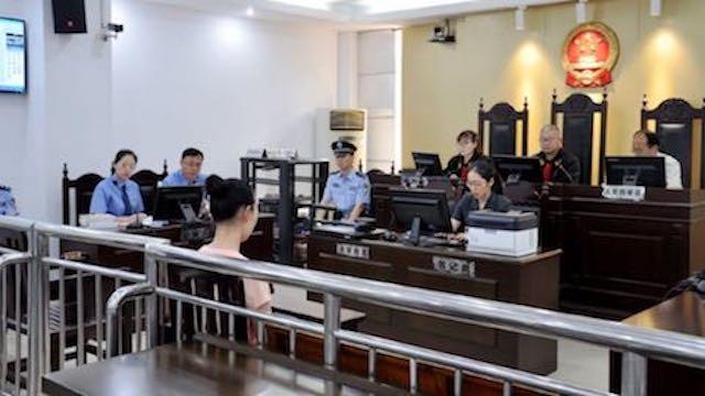 Una fedele della CDO al processo del Tribunale del popolo del distretto di Huaishang della città di Bengbu, nella provincia centrale dell'Anhui