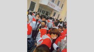 Coronavirus: uiguri deportati come schiavi in altre province per far ripartire l'economia