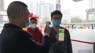 I protocolli sanitari aumentano il controllo sulla popolazione