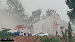 Henan, demolite due chiese protestanti controllate dallo Stato