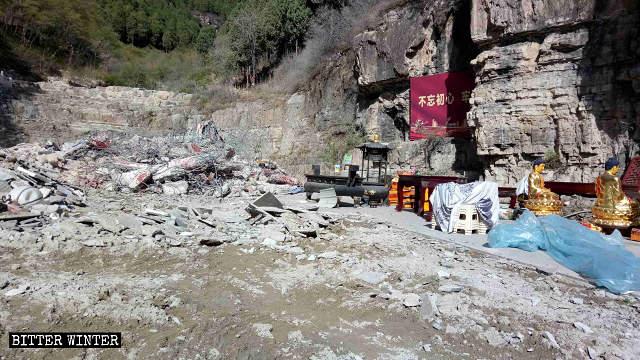 Le macerie del tempio Shengquan