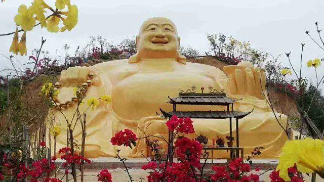La statua del Buddha